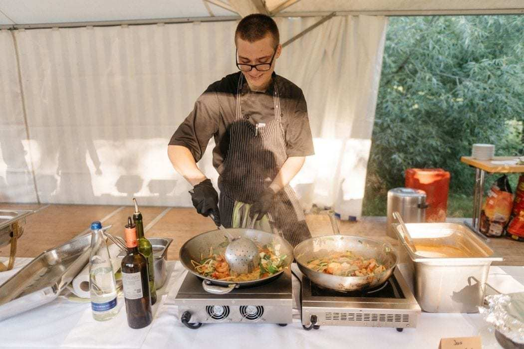 frontcooking catering