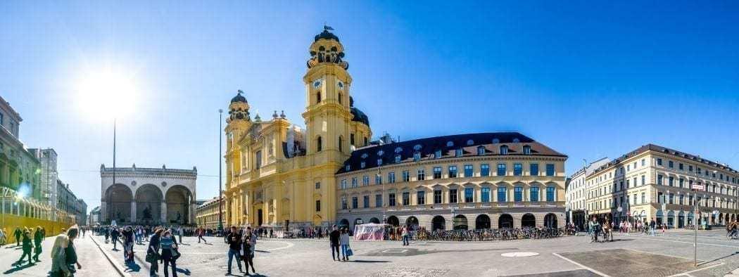odeonsplatz münchen pflicht bei einer sightseeing tour