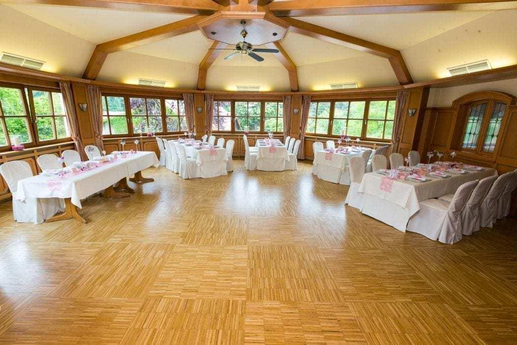 hochzeitssaal in hallnberg mit tanzfläche