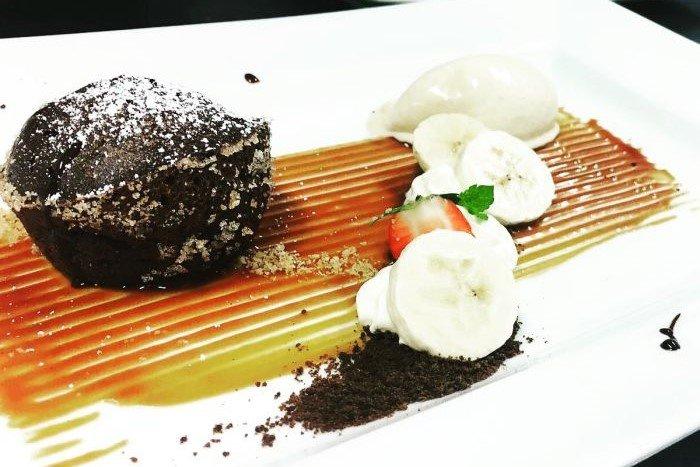 schokoladenkuchen banane dessert hochzeit