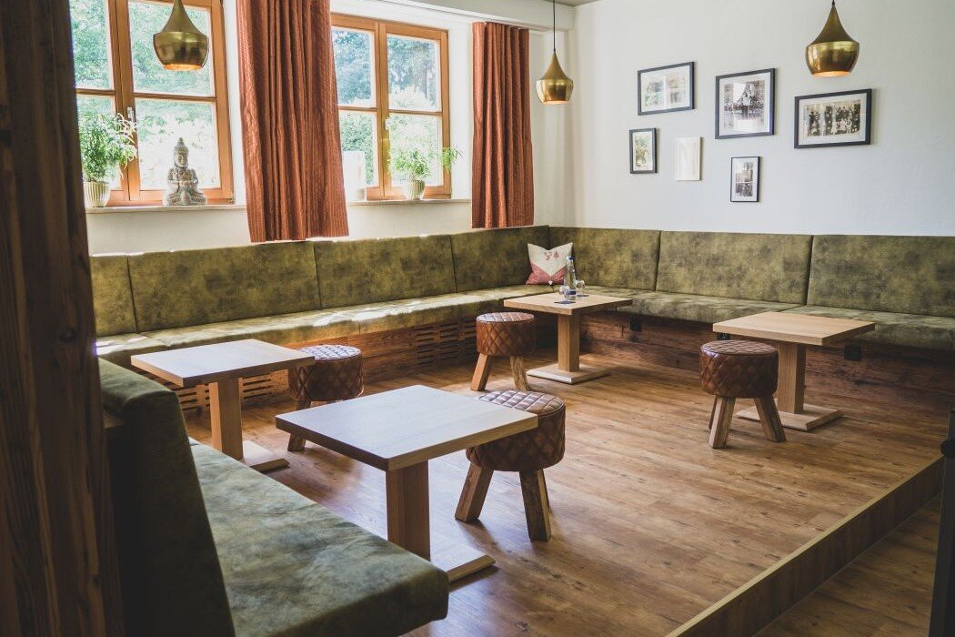 sitzecke für gruppenarbeiten und kaffeepause